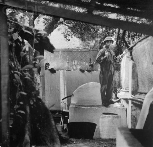 Ảnh hiếm: Phi công Mỹ bị bắt trong chiến tranh Việt Nam
