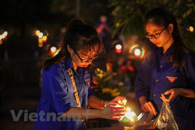 1.000 thanh niên Thủ đô thắp nến tri ân các anh hùng liệt sỹ
