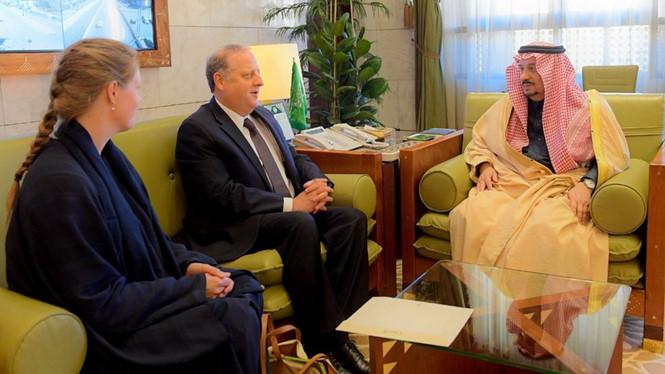 Ả Rập Xê Út giận dữ trục xuất đại sứ Canada vì Canada kêu gọi