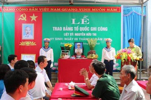 Lễ trao bằng Tổ Quốc ghi công liệt sỹ Hải quân Nguyễn Hữu Thi