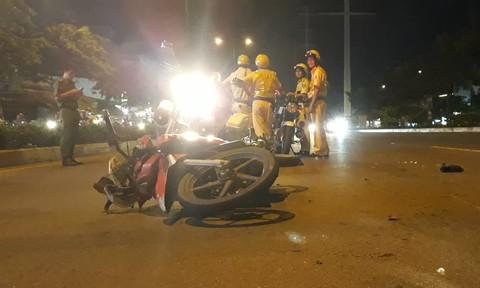 Người vi phạm tông xe vào tổ tuần tra, một CSGT nhập viện